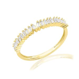 טבעת שורה משובצת יהלומים בגטים
